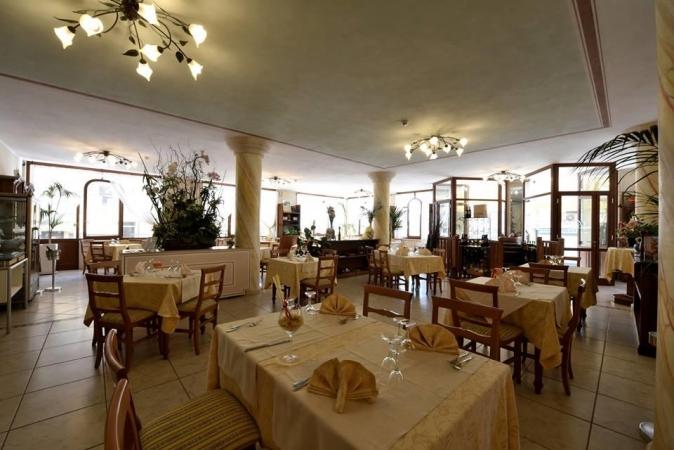 RISTORANTE LOLA PICCOLO HOTEL-Marina di Grosseto MARE