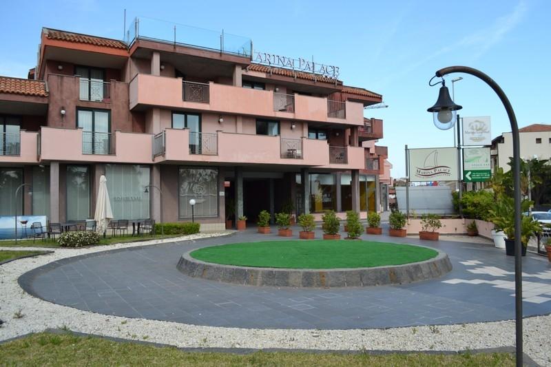 MARINA PALACE HOTEL- Acicastello
